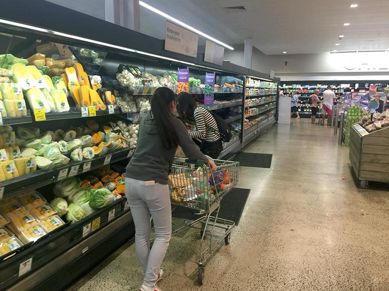 オーストラリアのスーパーの食材売り場1