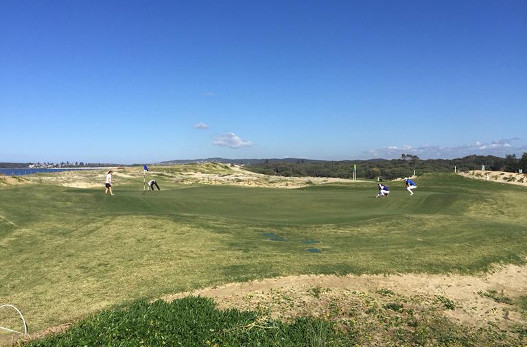 ベルモントゴルフクラブのグリーンはやたらと大きくアンジュレーションもきつい